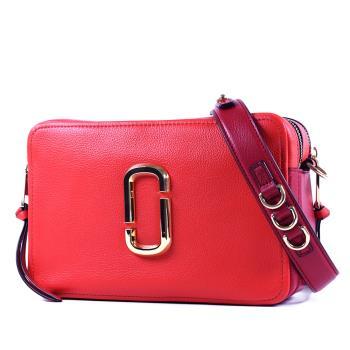 MARC JACOBS 專櫃款 雙J金屬LOGO雙層拉鍊寬背帶相機包-紅色/大
