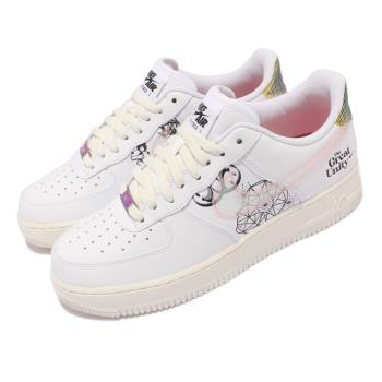 Nike 休閒鞋 Air Force 1 07 LE 男女鞋 透鏡元素 炫彩鐵牌 皮革 舒適 情侶穿搭 白 DM5447-111 [ACS 跨運動]