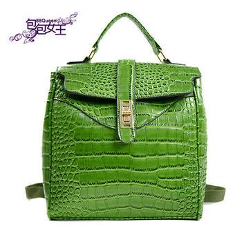 【88Queen❤包包女王】正韓空運★時尚綠色鱷魚紋後背包