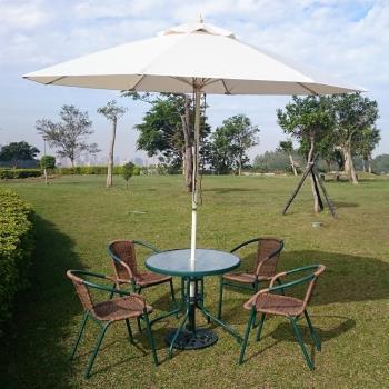 兄弟牌80cm玻璃桌綠色+PE藤椅一桌四椅組(含米白色玻纖傘及12KG傘座)