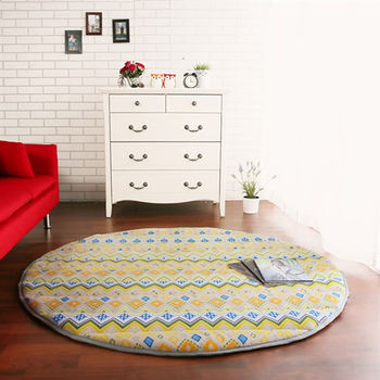 【HomeBeauty】細緻印花法蘭絨超厚款圓型超大地墊-直徑150cm(金式法頌)