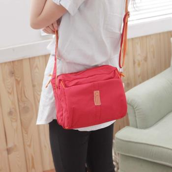 DF Queenin - 甜美日系女孩實用型防水悠閒斜肩包-共5色