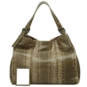 Bottega Veneta 仿蟒蛇壓紋真皮肩背購物包(淺咖啡)