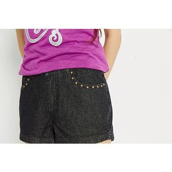 【TOP GIRL】鉚丁牛仔短褲-黑