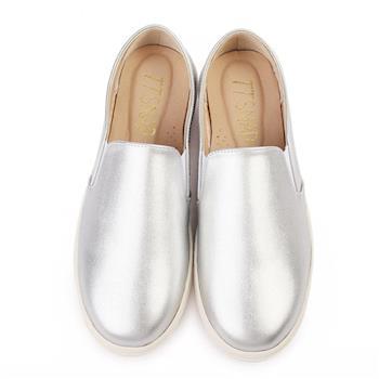 TTSNAP厚底樂福鞋-MIT素面皮感牛紋真皮休閒鞋-時尚銀-行動