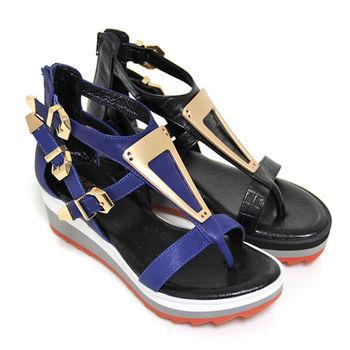 【GREEN PHOENIX】BIS-VITAL 倒三角金屬片鏤空金屬扣環山羊皮雙色厚底夾腳羅馬涼鞋-藍色、黑色