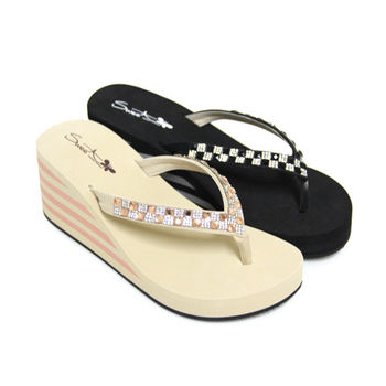 【Pretty】壓克力方鑽楔型厚底夾腳拖鞋-米色、黑色