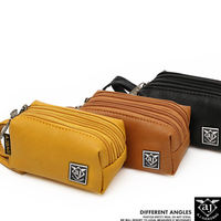 【AJ.亞介】 三拉鍊皮革 小包 隨身包 手拿包 三色  (UE8917)