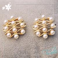 【伊飾童話】蜂巢珍珠*流線金屬耳環