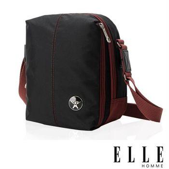 【ELLE HOMME】時尚巴黎風格輕量防潑水直立多層置物側背包(黑色EL83469-02)