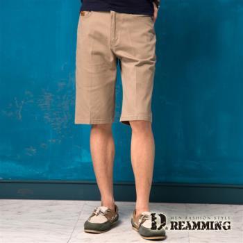 【Dreamming】親膚百搭皮標繡線伸縮休閒短褲(卡其)