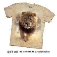 【摩達客】(預購)美國進口The Mountain  揚塵獅王 純棉環保短袖T恤