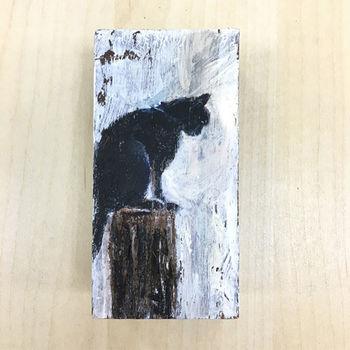 【纖維藝術家-龐一】木頭創作-低頭貓