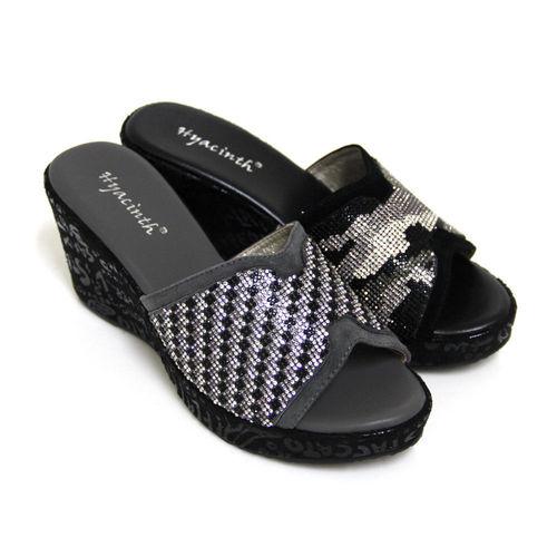【GREEN PHOENIX】三色水鑽圖案全真皮英文字母壓紋楔型拖鞋-灰色、黑色