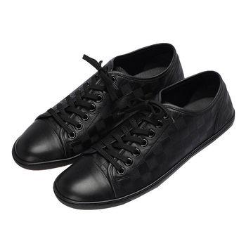 LV MRMS0132 經典AXEL Damier棋盤格黑底休閒鞋(黑-85)