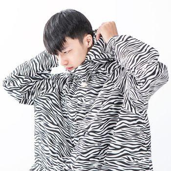 rainstory雨衣-斑馬紋連身甜美雨衣 (L號)