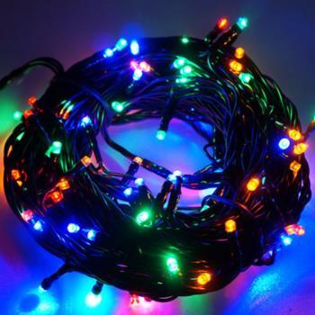 摩達客 100燈LED燈串聖誕燈 (四彩色光黑線)(附控制器跳機)(高亮度又省電)