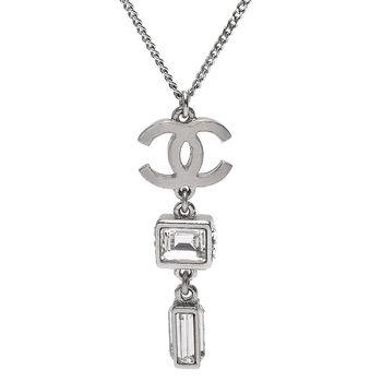 CHANEL 經典霧面雙C LOGO水晶/水鑽墜飾造型項鍊(銀)