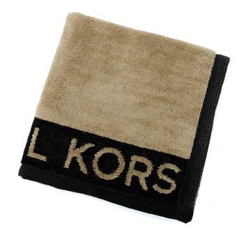 MICHAEL KORS 字母LOGO素面毛巾(摩卡x黑)