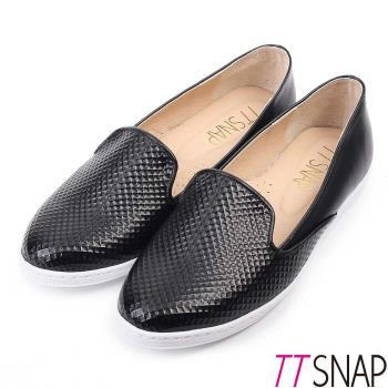 TTSNAP懶人鞋MIT漆皮菱格真皮樂福鞋 黑/白