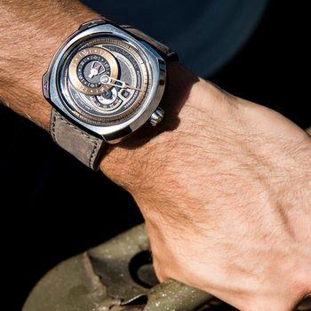 SEVENFRIDAY 日期顯示自動上鍊機械錶-銅色/44*50mm Q2
