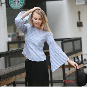 【KUOSH】歐美喇叭袖斜領藍白條紋上衣襯衫(PT10601)