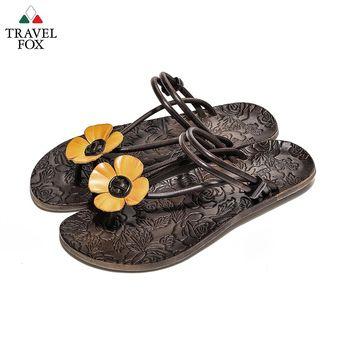 Travel Fox(女) - 俏皮花朵 牛皮三角式裸背旅狐夾腳拖鞋 - 小花黃