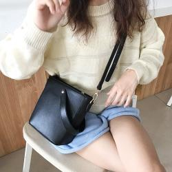 Acorn*橡果-韓系簡約百搭斜背包肩背包手提包小包6615(黑色)