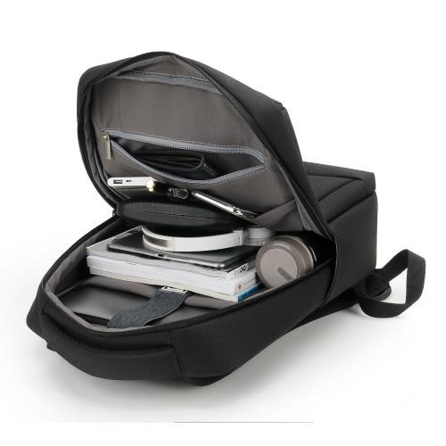 (買一送一)【SARA】三眼針多功能運動石英男錶(送防潑水USB充電多功能電腦後背包)/