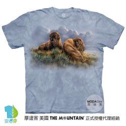 摩達客(預購)美國進口The Mountain  享樂時光雙牛 純棉環保藝術中性短袖T恤-3XL