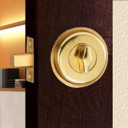 『WACH』花旗門鎖 W210 金色 暗閂鎖(無鑰匙)半邊鎖 輔助鎖 補助鎖 可當門閂使用 硫化銅門鎖 通道鎖 防盜鎖