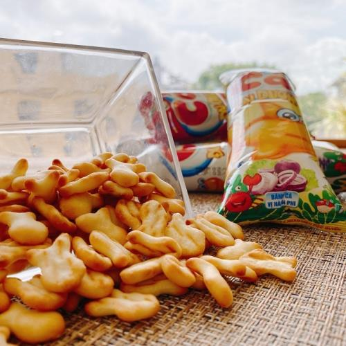 【CACA】鹹香小魚餅乾4袋(20小包/袋;300公克/袋)/