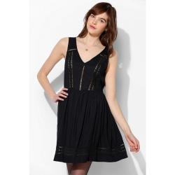 olina_美國潮牌Urban Outfitters 花邊蕾絲柔軟小洋裝-現貨-黑S/XS任選