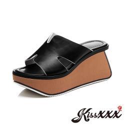【Kissxxx】真皮頭層牛皮經典百搭造型異形木紋塊跟厚底拖鞋 黑