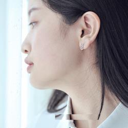 【Emi艾迷】韓國925銀針飄飄氣質綴鑽鏤空蝴蝶耳環