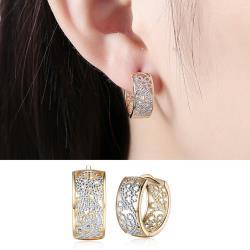 【Emi艾迷】韓國精緻綽約質感鏤空花紋環繞耳環