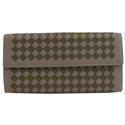 BOTTEGA VENETA 134075 編織雙色羊皮扣式長夾.褐灰