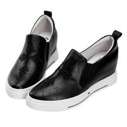 Robinlo 十字架圖騰鑲鑽牛皮內增高休閒鞋 ANSLOW-黑色
