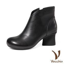 【Vecchio】真皮頭層牛皮簡約俐落純色舒適寬楦美腿粗跟短靴 黑