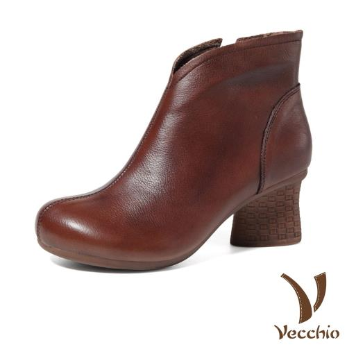 【Vecchio】真皮頭層牛皮簡約俐落純色舒適寬楦美腿粗跟短靴