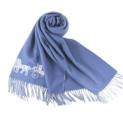 COACH 馬車LOGO寬版羊毛流蘇圍巾-灰藍
