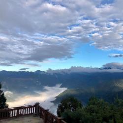 【台中出發】雪霸農場雲端漫步觀霧瀑布二日(四人一室,六人成團)單人券旅遊