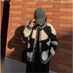 黑白撞色毛衣外套