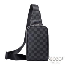 【BOZO伯樂】防水時尚Silvi棋盤胸背包-個性黑
