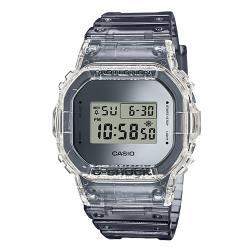 【CASIO 卡西歐】G-SHOCK 電子男錶 EL背光照明 鬧鈴 防水200米(DW-5600SK-1)
