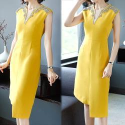 韓國K.W. 簡約質感純色V領釘珠洋裝