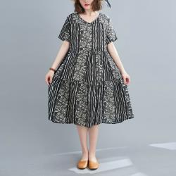 Keer-黑色條紋拼接印花輕薄洋裝-F