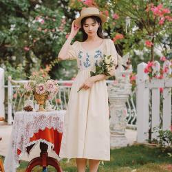 維拉森林-文藝清新燈籠袖刺繡花朵仙氣洋裝S-L(共二色)