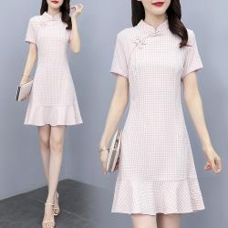 REKO-優雅粉格中式立領改良旗袍洋裝M-3XL