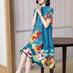 糖潮-中國風盤釦立領側開叉裙襬壓摺洋裝-F(共三色)